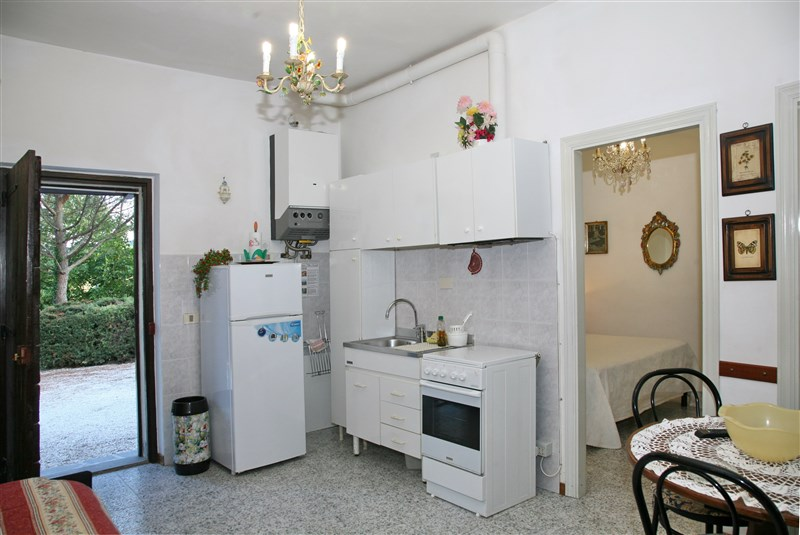 <strong>Apartment ORCHIDEA</strong><br/>floor Ground , Indipendent entrance, 4 beds<br/>Heating<br/> Surface Mq 36